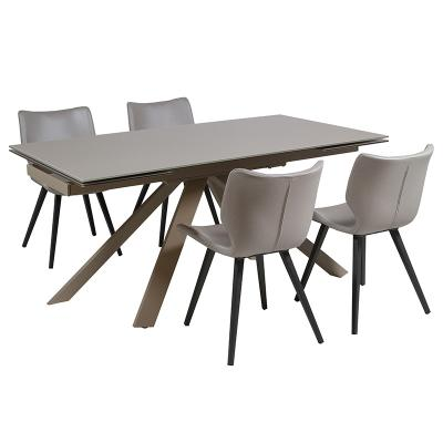Lote mesa más cuatro sillas - Imagen 1